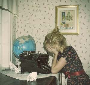 photog,dresses,uncertainty,girl,globes,typewriter-0f612006b53798818ab6a0acb7d3d640_h